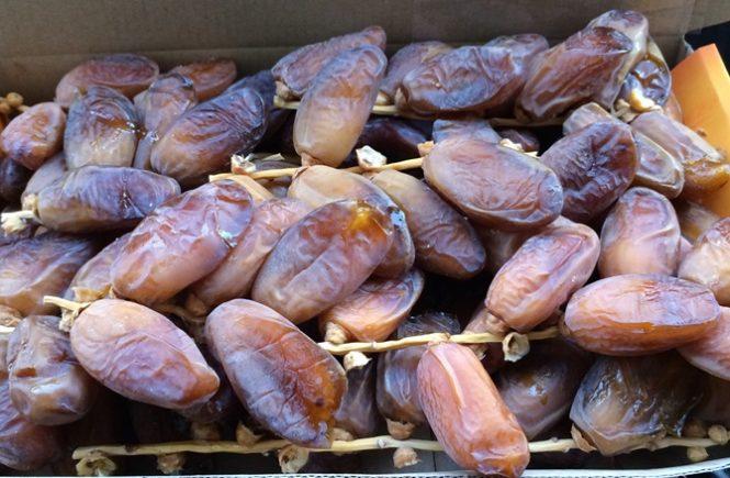 Des dattes-Deglet nour